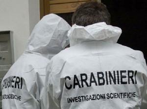 Roma, cadavere carbonizzato in un furgone