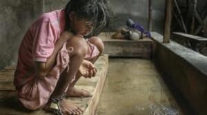 YOUTUBE Indonesia, malati di mente incatenati negli ospedali