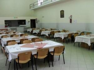 Guarda la versione ingrandita di Napoli, accoltellato per un pranzo al centro di accoglienza