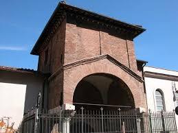 Roma, chiesa San Cosimato blindata: cancello anti-clochard