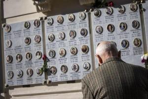 Gianni Garlaschelli da 20 anni sulla tomba della madre ma...