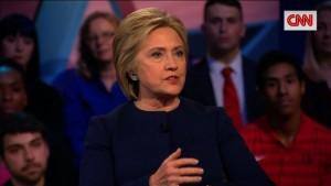 Clinton cita di striscio Renzi, stampa italiana si esalta