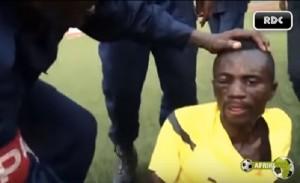 YOUTUBE Arbitro linciato dai tifosi dopo la partita