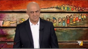 Guarda la versione ingrandita di VIDEO Crozza: Napoli boom primarie? Manco regalassero soldi