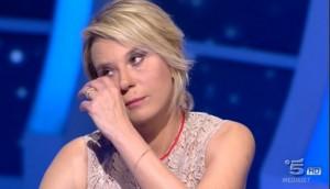 Maria De Filippi piange per la madre in conferenza stampa