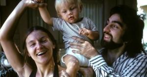 Guarda la versione ingrandita di Leonardo DiCaprio: mamma e papà agli Oscar FOTO