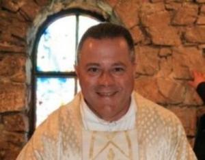 Don Luciano Massaferro libero dopo condanna molestie a...