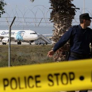Guarda la versione ingrandita di Aereo EgyptAir dirottato, italiano tra ostaggi (foto Ansa)