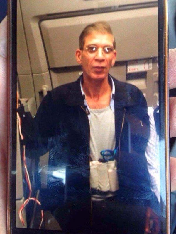 Aereo EgyptAir dirottato, ostaggi liberi o no? DIRETTA VIDEO