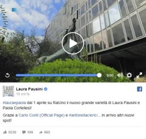 Laura Pausini e Paola Cortellesi: promo show pieno di gaffe