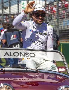 Fernando Alonso, problemi polmoni e costole: no Gp Bahrain