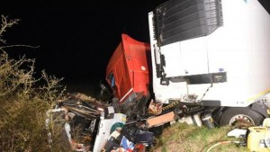 Incidente bus-camion in Francia: 12 morti, italiani feriti