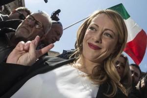 """Giorgia Meloni: """"Al ballottaggio voterei Virginia Raggi"""""""