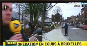 Guarda la versione ingrandita di Bruxelles, spari in diretta tv. Giornalista si spaventa e…