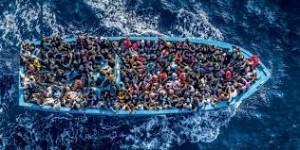 Migranti alla deriva chiamano pensionato romano dal barcone