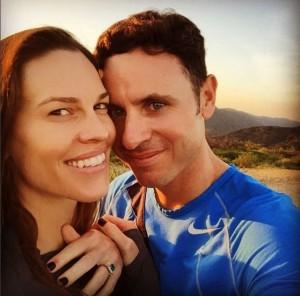Guarda la versione ingrandita di Hillary Swank si sposa, lui fa la proposta durante...