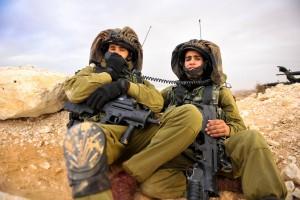 Guarda la versione ingrandita di Israele, come i beduini scoprono mine e bombe nel deserto (Foto d'archivio)