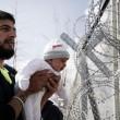 Migranti, Ue stanzia 700 milioni per la Grecia 6