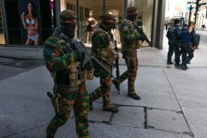 Bruxelles, soldati presidiano  le metropolitane