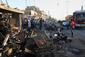 Guarda la versione ingrandita di Iraq, kamikaze si fa esplodere alla partita: il momento dell'esplosione