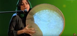 The Voice, Kimia Ghorbani canta e si toglie velo VIDEO
