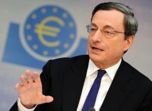 Guarda la versione ingrandita di Draghi bazooka a salve: neanche soldi gratis fanno ripresa (foto Ansa)