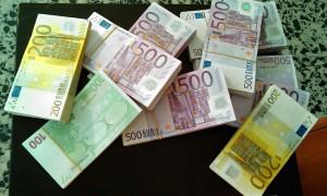 Guarda la versione ingrandita di Padova, frode fiscale da 27 mln: soldi stipati in cassette