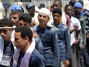Migranti, rifugiati più esposti a psicosi e schizofrenia