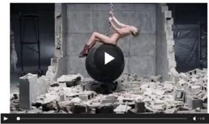 YOUTUBE Wrecking Ball di Miley Cyrus senza musica è…