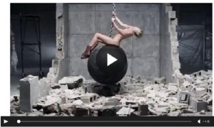 YOUTUBE Wrecking Ball di Miley Cyrus senza musica è...