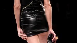 Guarda la versione ingrandita di Olanda, minigonna sconsigliata in Comune: