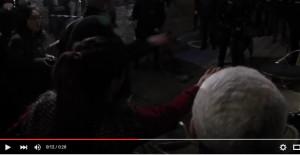 YOUTUBE Molenbeek contro poliziotti durante arresto Salah