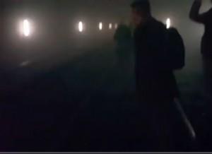 YOUTUBE Bruxelles, evacuazione al buio da metro di Maelbeek