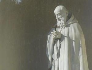 Padre Santo, l'umile cercatore dei Caruggi. Il libro