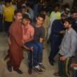 Pakistan, kamikaze al parco giochi: strage di donne e bimbi07
