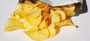 Patatine, ecco perché non riusciamo a smettere di mangiarle?