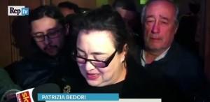 """YOUTUBE Patrizia Bedori lascia in lacrime: """"Carogna tra M5s"""""""