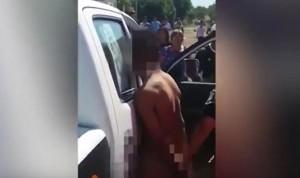 YOUTUBE Pedofilo colto sul fatto, folla reagisce così