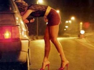 Salerno contro le prostitute: no vestiti indecenti in strada