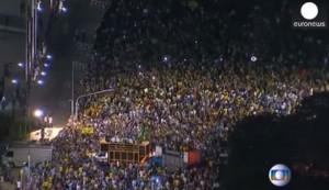 Guarda la versione ingrandita di Brasile, proteste contro la nomina di Lula da parte di Dilma Roussef