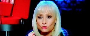 The Voice, Raffaella Carrà gaffe: saluta in arabo ma...VIDEO