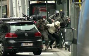 Guarda la versione ingrandita di Attentati Parigi, la cattura di Salah Abdeslam