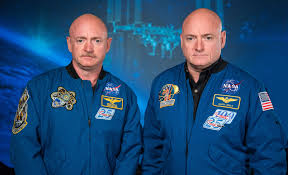 Nasa studia gemelli Mark e Scott Kelly: 1 anno su Iss e...