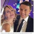 Renzi, terza volta da D'Urso. Selfie e presenta Ivana Spagna