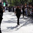 """Messico, addio sexy poliziotte: """"Danneggiano il corpo"""