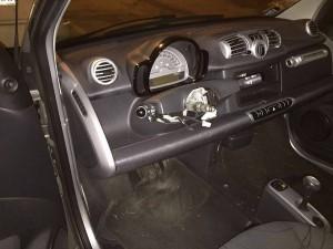 Smart: volante rubato FOTO. Perché lo fanno, dove lo fanno