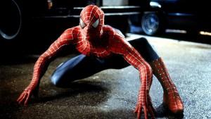 Guarda la versione ingrandita di Giugliano (Napoli), rapinano bar mascherati da Spiderman