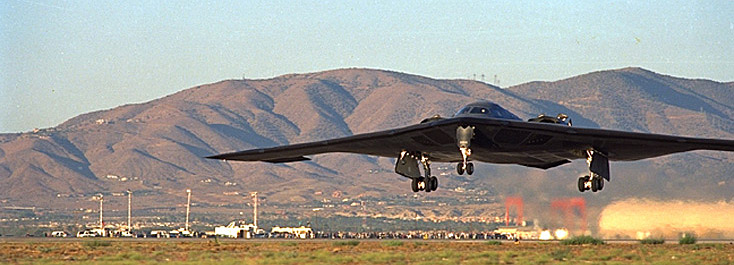 YOUTUBE B-2 Spirit Stealth Bomber, aereo invisibile in volo 04