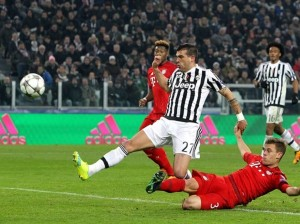 "Bayern-Juve: ""Qui è la fine!"". Tweet rimanda ad Auschwitz"