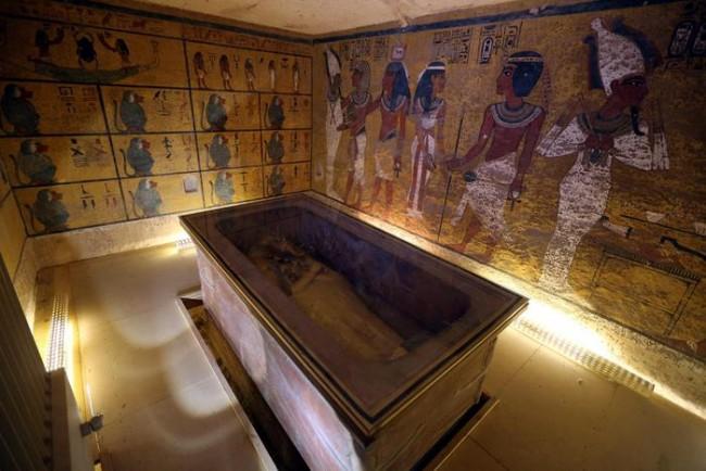 Tutankhamon, due stanze segrete scoperte nella tomba